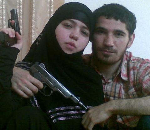 محاكمة فرنسي متهم باغتصاب 11 شابة أوقع بهن عبر موقع تعارف