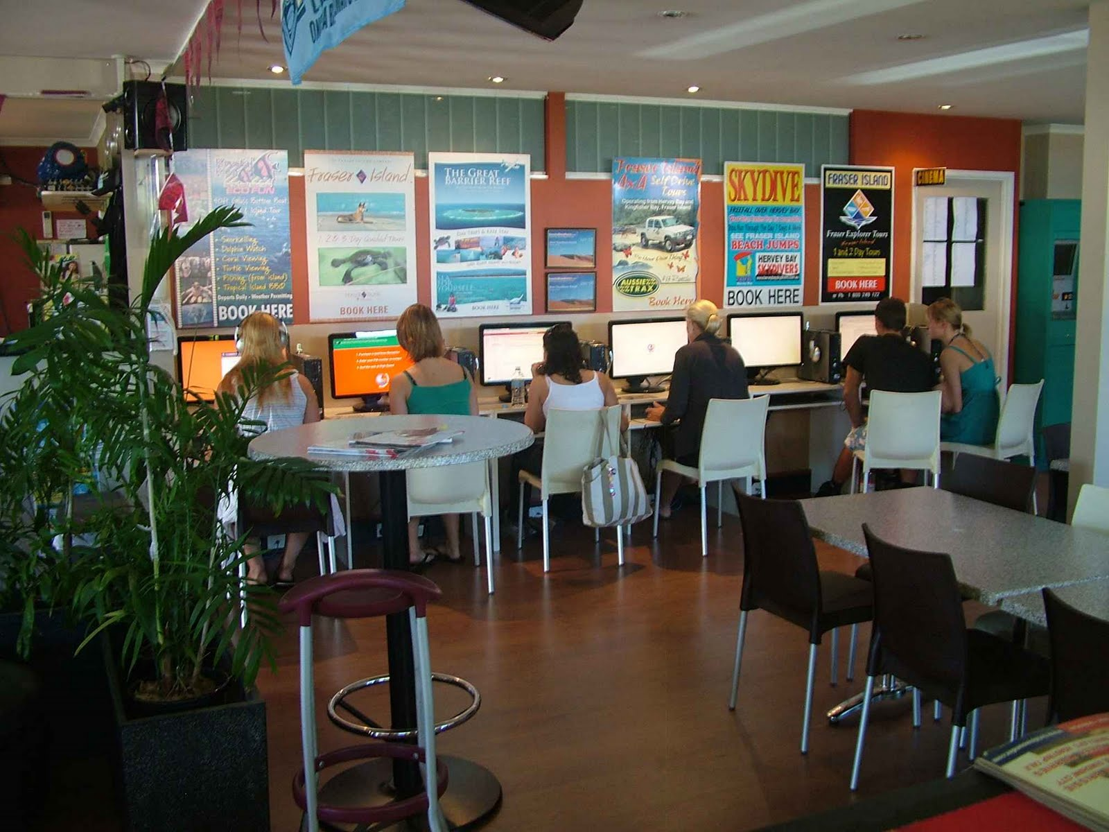 Modern Internet Cafe Design Layout