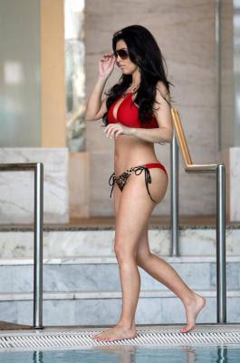 Kim Kardashian bikini pictures in Monaco
