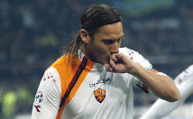 "Francesco Totti un gicatore ""al bacio"""