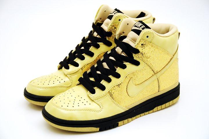 [Nike+Dunk+skinny+gooooold.jpg]