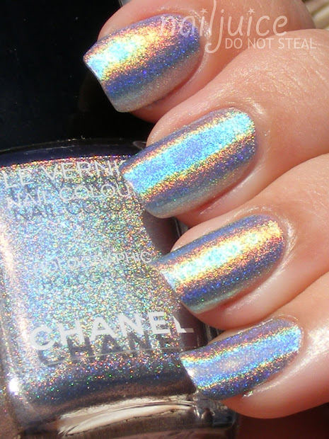 nail juice chanel holographic