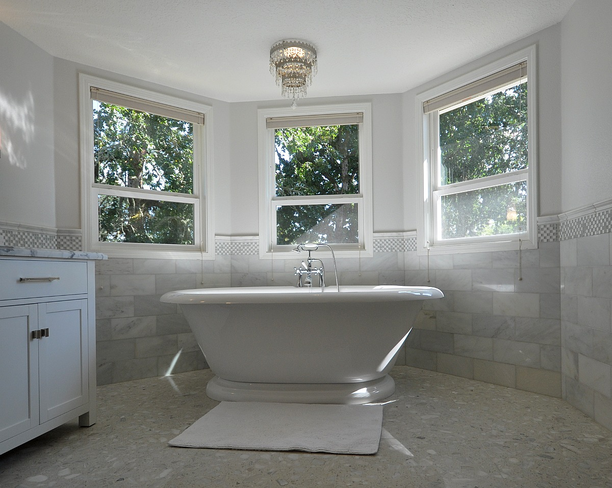 Bathroom designs white cabinets home decorating for Master bath remodel