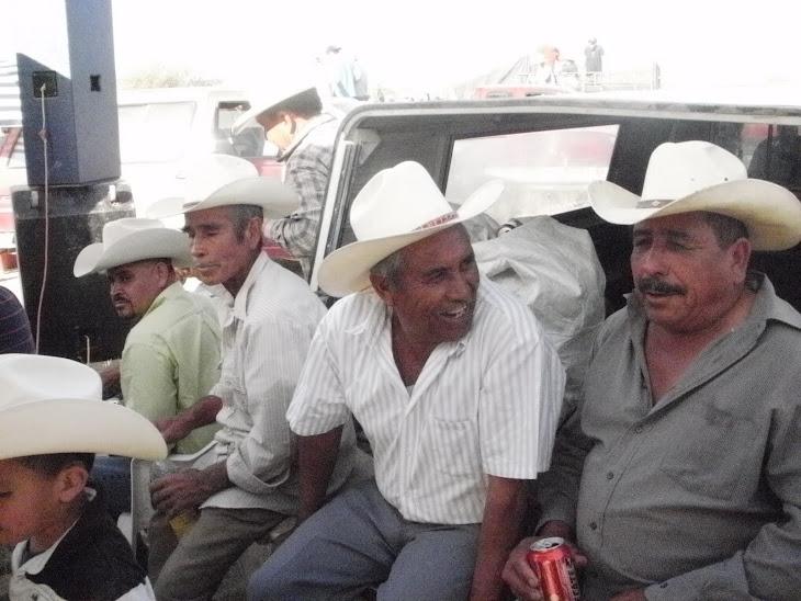aqui pancho (machaclan), jose castro y panchito antunez...