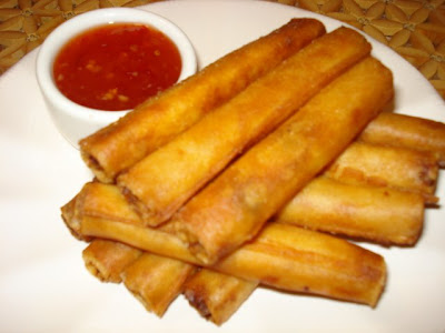Crunchy Lumpia Shanghai For dipping Jufran Banana Sauce mixed with ...