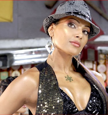 Latest Hottest High Quality Resolution Bollywood Actress Bipasha Basu Wallpapers Pics Photoshoot Scenes 2011