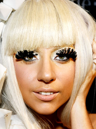 Ugly False Eyelashes Wearing lashes like thisUgly Clumpy Eyelashes
