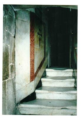 Clique para ler sobre o túmulo do apóstolo
