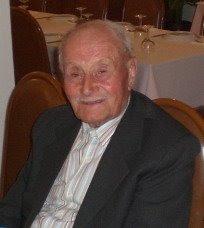 Aos 94 anos, faz duas caminhadas ao dia por Vinhais