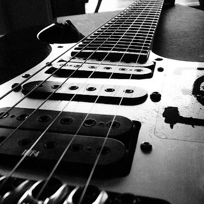 Koleksi Gambar Alat Musik gitar @ Digaleri.com