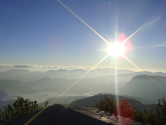 Adam&#39;s Peak sunrise