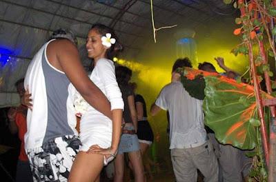 sri lanka party: Hikkaduwa Beach Party in Colombo-Sri Lanka