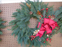 Make your own Christmas wreath this year!