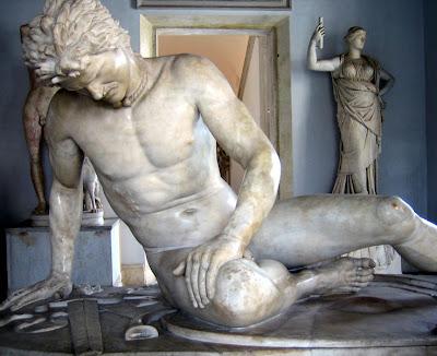 Yaralı Galyalı Savaşçı Heykeli, Capitoline Museum, Roma, İtalya
