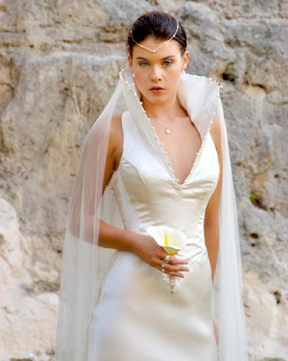 Collar wedding dress
