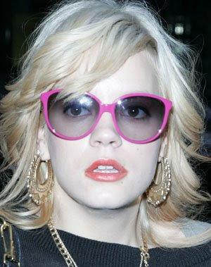 Lily Allen blonde