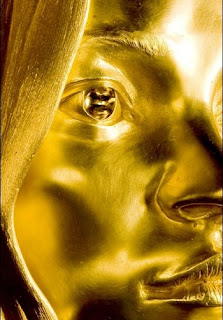 Kate Moss gold sculpture