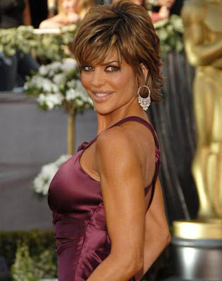 I was reading on fashion.ie that Lisa Rinna has said that she is to pose ...