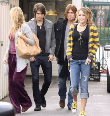 Tish Cyrus, Billy Ray Cyrus, Miley Cyrus, Justin Gaston
