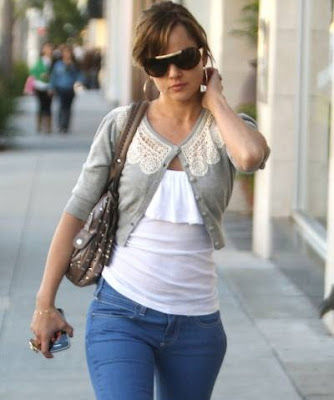 celebrity Mena Suvari shopping