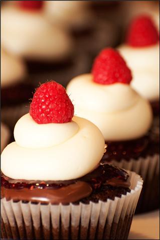 [Raspberry+chocolate+cheesecake]