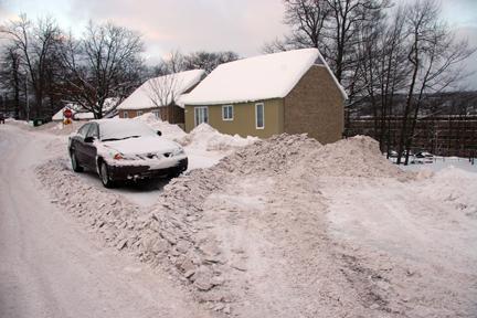 [car+in+shoveled+]