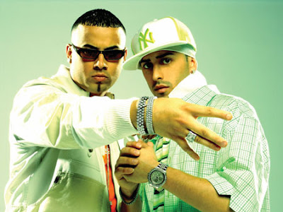 Wisin and Yandel posing for a snapshot