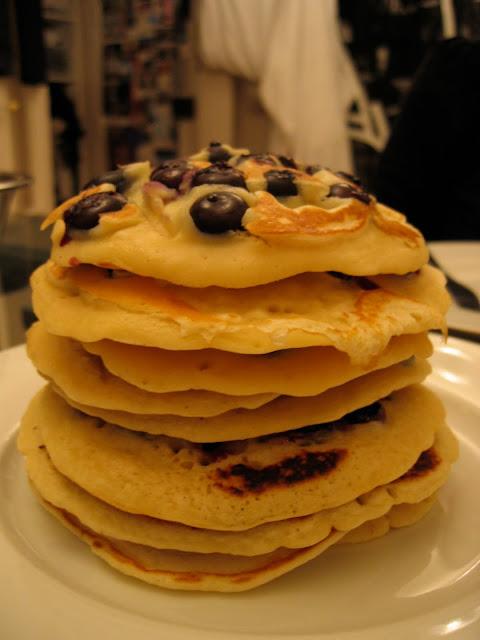 blueberry pancakes/ pancakes aux myrtilles
