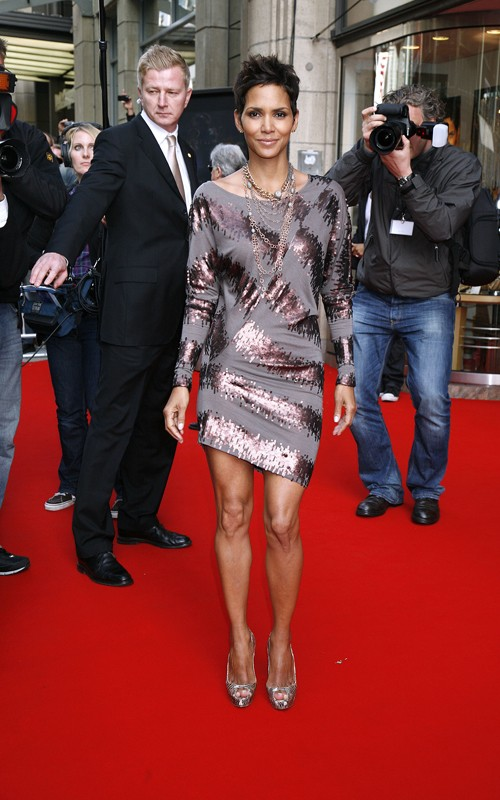 Can Halle Berry Get Anymore Gorgeous?!?!?