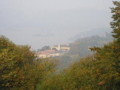 Lago de Orta desde el Monte Mesma la mañana del 16 de octubre de 2008