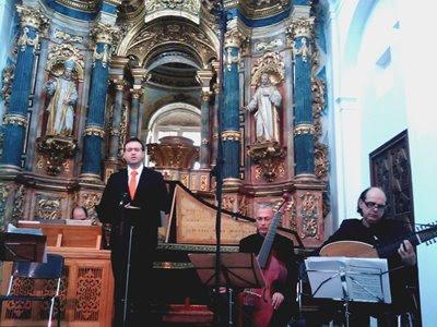 Carlos Mena con Speculum en el Monasterio de la Cartuja de Sevilla (© Carlos Tarín)
