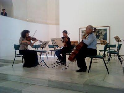 Gonley, Dunham y Tsutsumi tocando un Trío de Beethoven