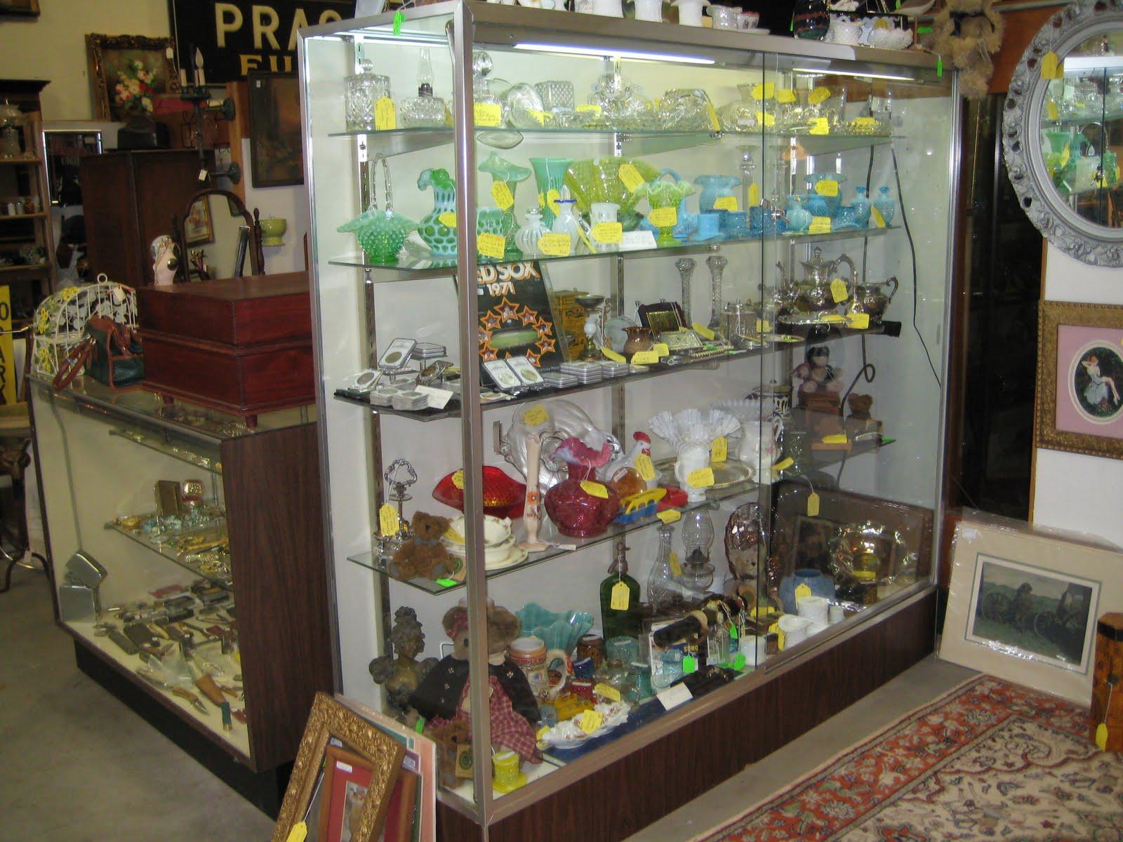 C Dianne Zweig Kitsch n Stuff Antique Booth Display