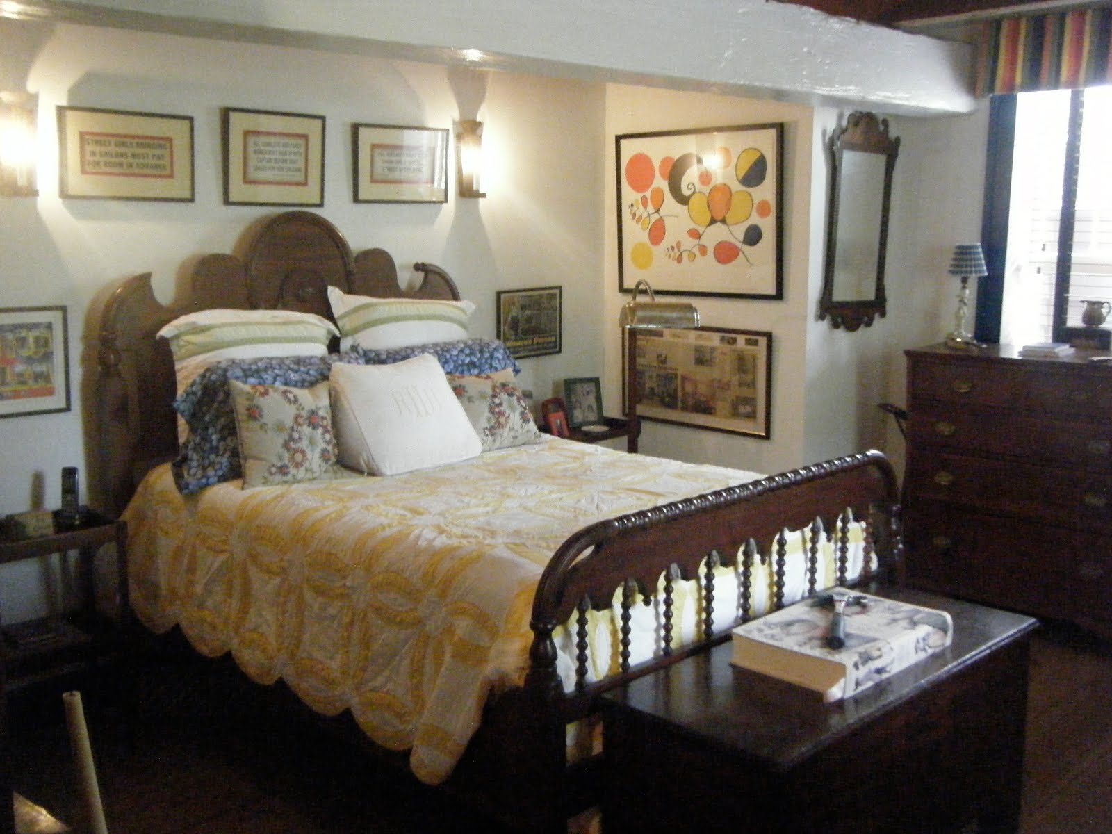 old fashioned master bedroom and old fashioned charm of