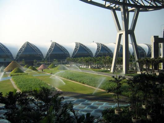 800px Suvarnabhumi Airport 10  Bangunan Terluas di Dunia