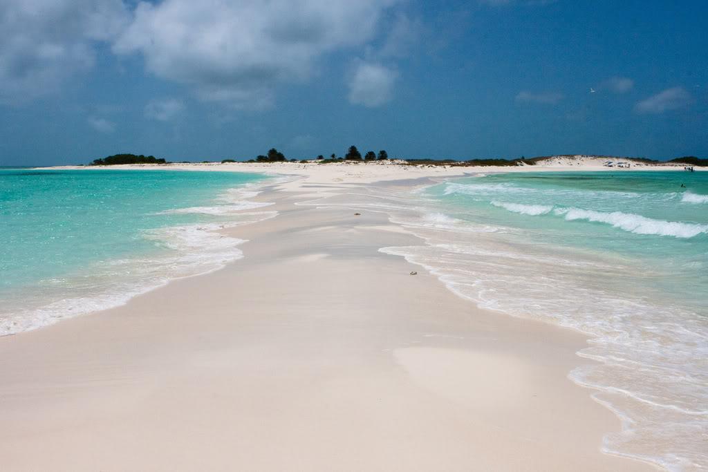 diaforetiko.gr : 3782437437 6127a43aff b Τα 30 ομορφότερα νησιά του κόσμου – Ανάμεσα τους και η δική μας Σαντορίνη!