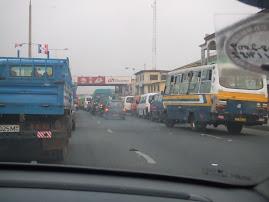 O trânsito de Acra em hora de ponta!