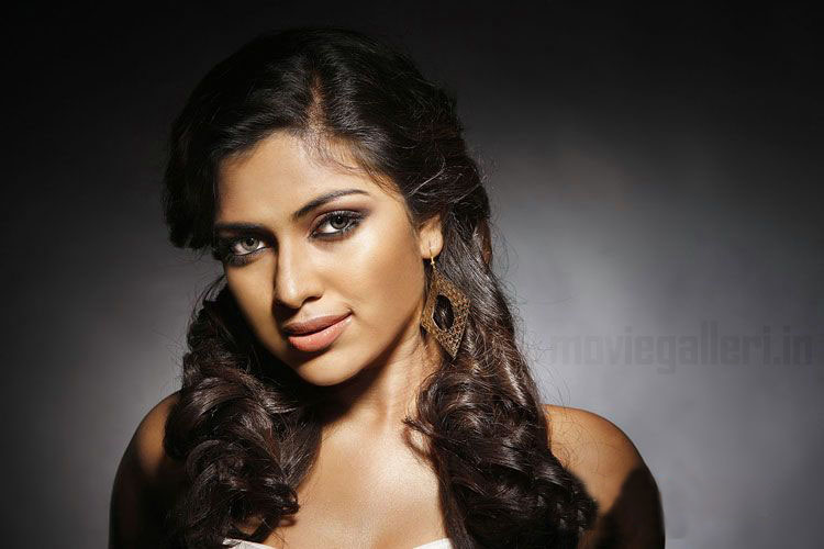 Actress Amala Paul Hot Photoshoot Stills & pics Photoshoot images