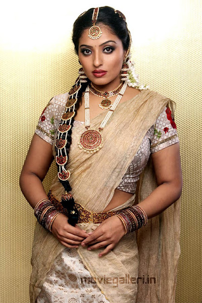 Gpict - Mumtaz Hot Photo Shoot Stills Pictures