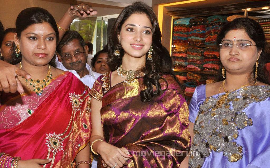 , Tamanna at Chennai Kalaniketan Showroom Launch