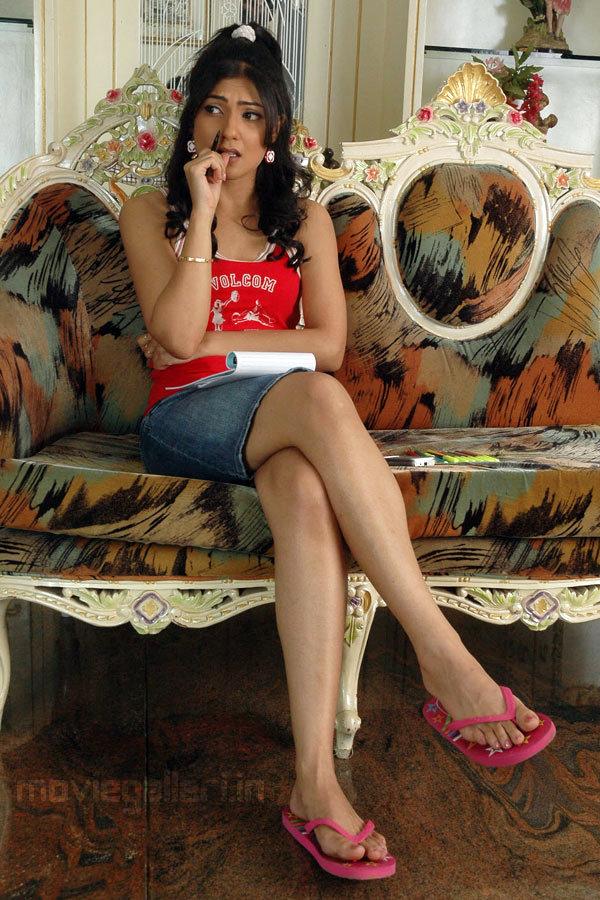 Kamalini mukerjee nude scene in malayalam movie 4