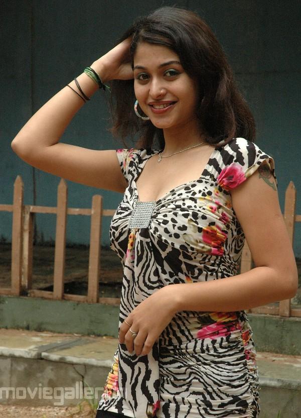 Photo Galleri: Naga Sri Hot Photoshoot Stills, Actress