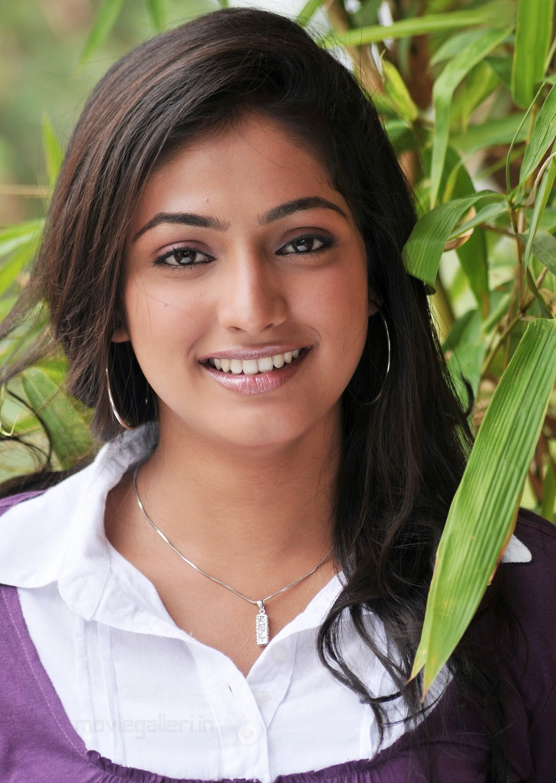 http://2.bp.blogspot.com/_eewr1b1LpYA/TLsaSSsDyGI/AAAAAAAAJKY/WMnC1bqge2o/s1600/actress_haripriya_photo_gallery_wallpapers_01.jpg