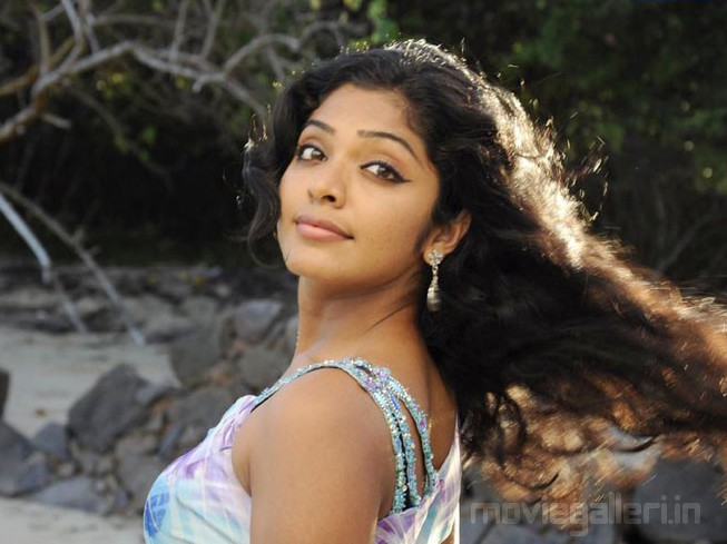 Rima Kallingal Hot Yuvan Yuvathi Movie Stills