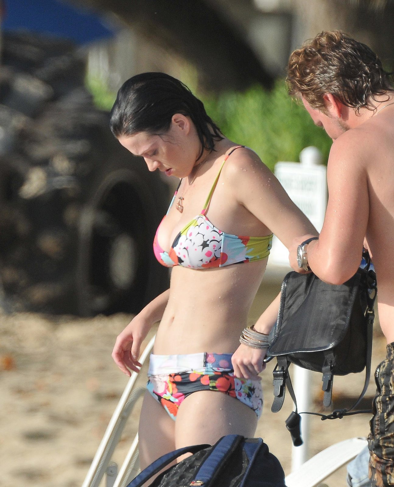 [Katy-Perry-bikini-Candits+(3).jpeg]