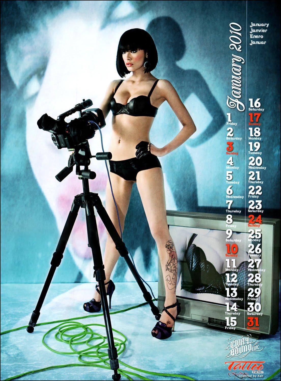 http://2.bp.blogspot.com/_eg7JvIinZrE/Sw87lfw3gjI/AAAAAAAALKM/KaBGUHh6-GE/s1600/Vikki+Blows+-+Topless+2010+Tattoo+Energy+Calendar1.jpg