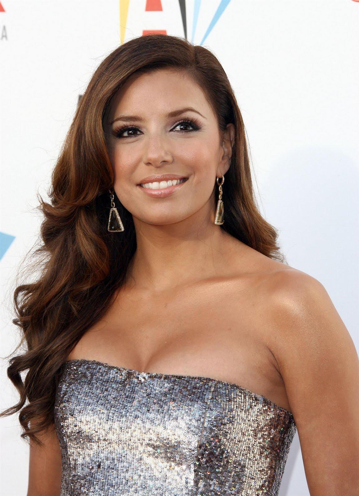 http://2.bp.blogspot.com/_eg7JvIinZrE/SwiyOJSbaGI/AAAAAAAALBc/JdtTJiLOnb4/s1600/96283_celebrityheart.blogspot.com_574_123_363lo.jpg