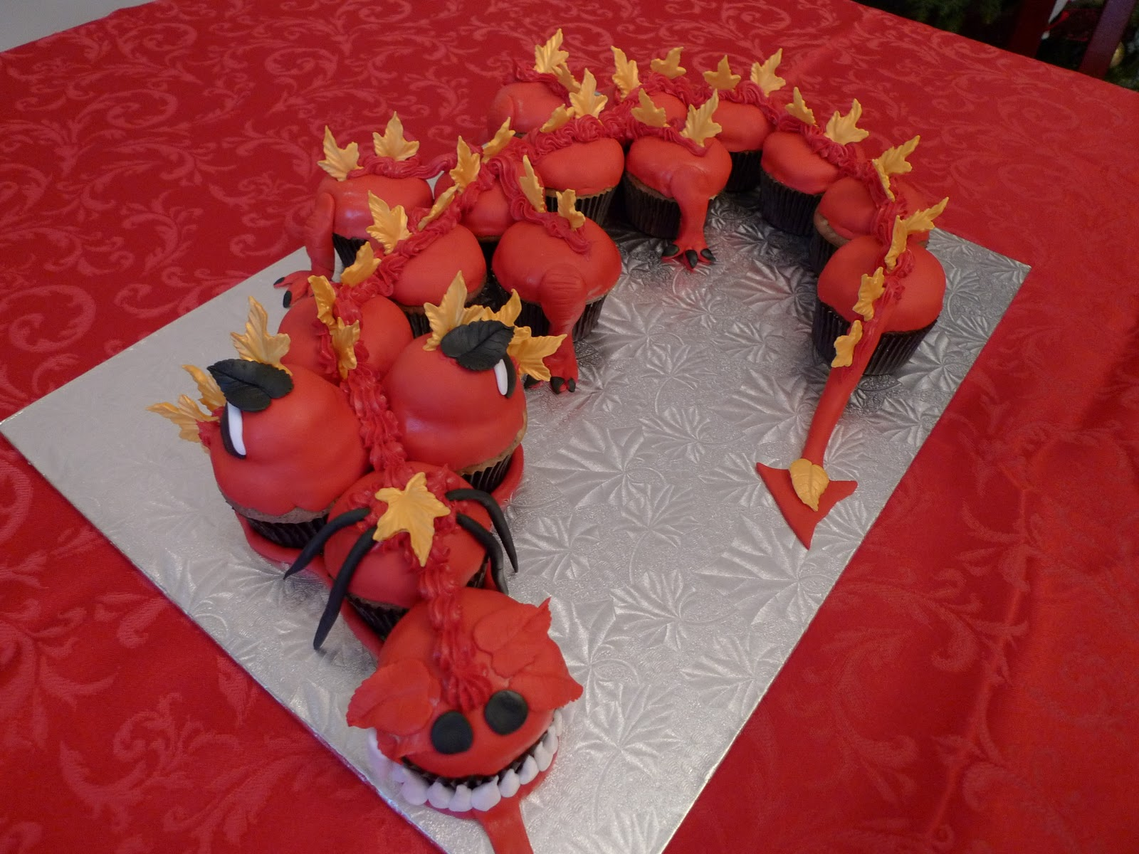 how to make a dragon out of fondant