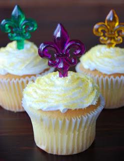 Mardi Gras fleur de lis cupcakes