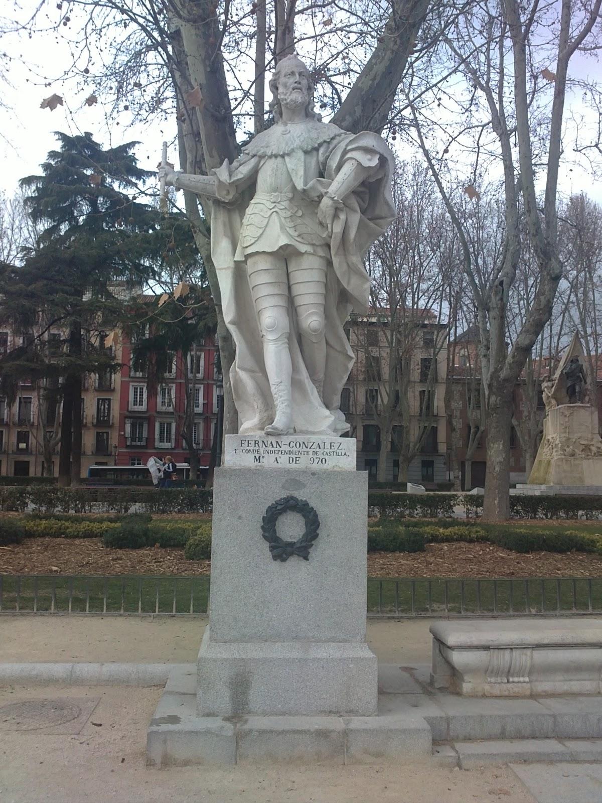 Europa de lisboa a vladivostok el jard n de las estatuas - Estatuas de jardin ...